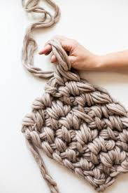 How To Crochet A Rug Out Of Yarn Gorgeous Hand Crochet Blanket In An Hour Flax U0026 Twine