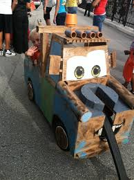 halloween kansas city 2015 halloween costume out of cardboard tape and a wagon holidays