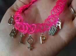 grl pwr choker w venus symbol charm pink stretchy