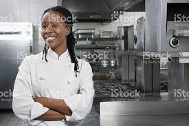 chef de cuisine femme femme chef dans la cuisine photos et plus d images de adulte istock