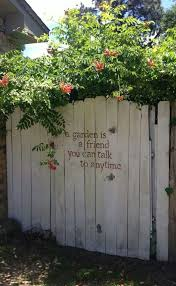 Backyard Fence Decorating Ideas 12 Beautiful Diy Fence Decoration Ideas Diy Cozy Home