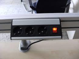Schreibtisch Elektrisch Schreibtisch Elektrisch Steh U2013 Sitz Mit Leiste Von Oka Büromöbel