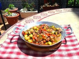 arte la cuisine des terroirs yachnet koussa ragoût de courgettes et de viande hachée sur la