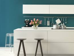 küche türkis farben in der küche so wird die küche bunt tipps wandtattoo de