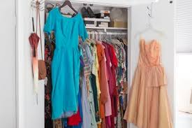 Cleaning Out Your Wardrobe How To Clean Out Your Closet Without Regret Apartment Therapy