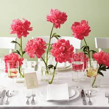 wedding decoration ideas pink flowers in small glass stand vases