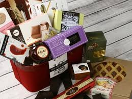 food gift baskets buy gourmet luxury food gift baskets chests gift boxes online at