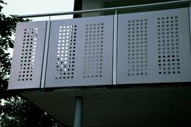 balkon metall balkon mit edelstahl geländer mit lochblech ammersee metall