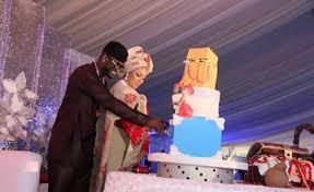 stargist u0027s top seven eye popping celebrity wedding cakes