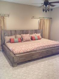 Cal King Platform Bed Plans by Best 25 Rustic Platform Bed Ideas On Pinterest Platform Bed