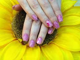 gel nails with pink glitter dust pink crystal polish with 1stroke
