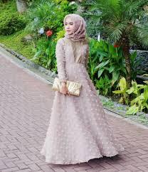 gaun muslim 7 inspirasi gaun muslim untuk kondangan yang simpel dan anggun ala