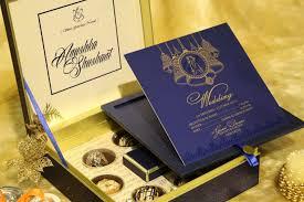 designer wedding invitations voguish wedding invitations cheap but exclusive wedding cards