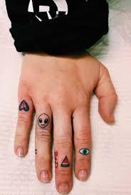small on finger segerios com segerios com