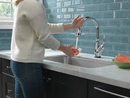 leland kitchen faucet delta leland standard single handle kitchen faucet with touch2o
