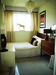 best way to set up a small bedroom white blue two drawers side bed