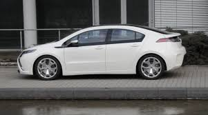 opel ampera opel ampera u2013 the iconic electric hybrid car