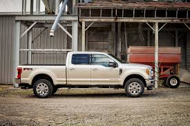 ford updates 2017 f series super duty with 48 gallon tank