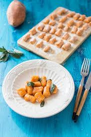 cuisiner les gnocchis recette de gnocchis de patate douce au beurre de sauge stella
