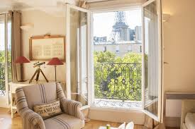 1 bedroom paris accommodation with romantic eiffel tower view eiffel tower apartment rental in paris