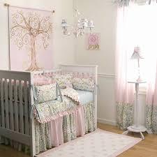 thème chambre bébé fille porte fenetre pour theme chambre garcon élégant décoration chambre