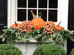 Christmas Decorations For Outside Window Boxes by Best 25 Fall Window Boxes Ideas On Pinterest Fall Flower Boxes
