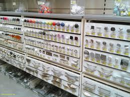 boutons de meubles de cuisine poignee porte placard cuisine luxe poigne de porte de meuble de
