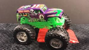 wheels monster jam grave digger truck 2016 wheels monster jam purple grave digger 1 64 reveiw youtube