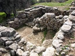 the minoan cemetery at phourni