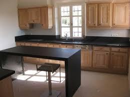 en cuisine avec fabrication des plans de travail cuisine et salle de bain en granite