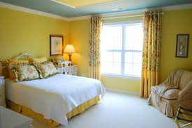 Yellow Walls What Colour Curtains Yellow Wall Color Decorating Lovely Yellow Wall Color Ideas