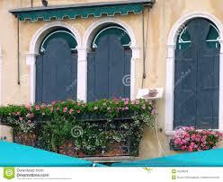 blumentã pfe fã r balkon wohnzimmerz fenster balkon with fensterbalkon zum ausklappen