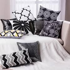 coussin de canape design moderne noir blanc zebra oreiller