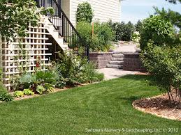 Paver Patio With Retaining Wall by Paver Patio Under Deck With Retaining Wall U0026 Steps Minne U2026 Flickr