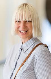 Chandelier Singer Who Is Sia 5 Things You Didn T About The Chandelier
