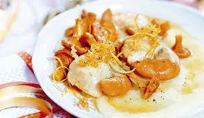 cuisiner le corail de jacques recette noix de jacques au beurre de plemousse purée de
