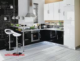 cuisine en solde chez but ide cuisine quipe great deco interieur cuisine deco fer forge