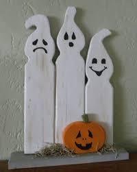Outdoor Halloween Decorations Ghosts by Best 25 Halloween Ghosts Ideas On Pinterest Ghost Crafts Last