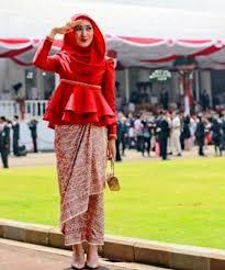Baju Atasan Rok Levis 13 model rok batik terpopuler 2018 fashion modern 2018