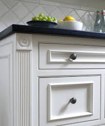 kitchen cabinet trim ideas best 25 kitchen cabinet molding ideas on crown