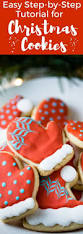 an easy christmas cookie decorating tutorial for hat and mitten