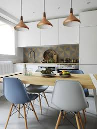 table cuisine habitat appartement 17 un 37 m2 chaleureux entre bois et béton