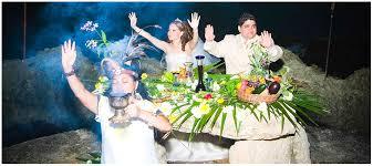 imagenes de rituales mayas sol arena mar y una boda con un ritual maya en cancún o tulum