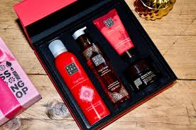 Bath And Shower Gift Sets Holiday Gift Guide For The Last Minute Shopper Indulgent Bath And