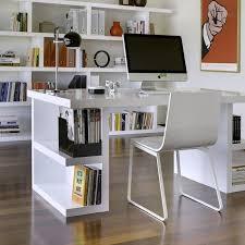 le de bureau sur pied avec pieds étagères