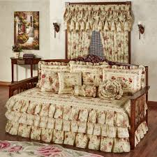 Design For Daybed Comforter Ideas Daybed Bedspreads And Comforters Vintage Floral