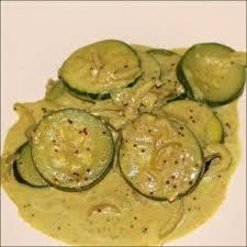 cuisiner des courgettes à la poele courgettes à l indienne au lait de coco végécarib