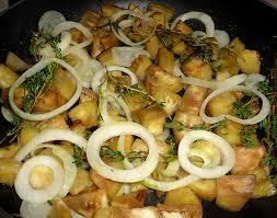cuisiner aubergine facile aubergines et oignons sautés à la poêle