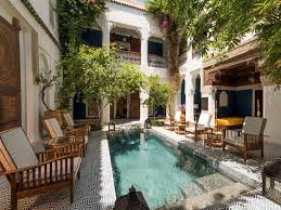 house with courtyard best 25 courtyard pool ideas on swiming pool home