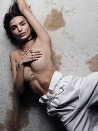 emily ratajkowski nude pic emily ratajkowski poses topless in a ridiculously revealing new